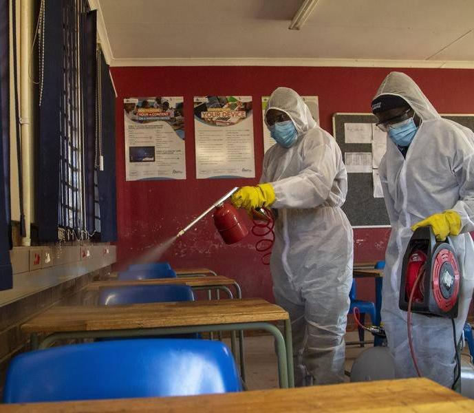 Nettoyage et désinfection des écoles